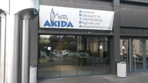 Der Eingang des Eurogress im Zeichen des AKIDA